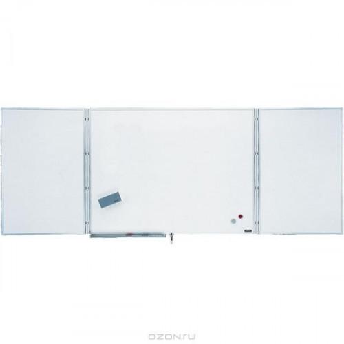 Трехстворчатая белая доска с эмалевой поверхностью общий размер 101 х 343 см.