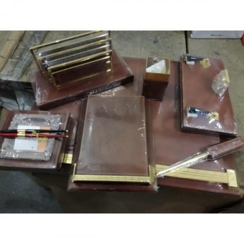 Настольный набор MUNARI 7 предметов + 2 ручки, кожа, коричневый